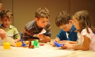 imagenes niños haciendo manualidades beneficios para los ni 241 os de la papiroflexia im 225 genes y