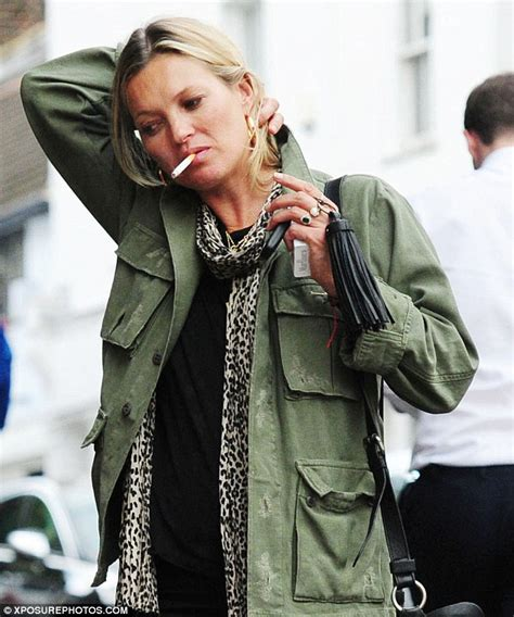 Kate Moss Must Submit A Test To Visit Us by Kate Moss Flashes Sapphire Ring Amid Claims She S Engaged