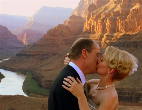grand canyon helicopter tour serenity | las vegas