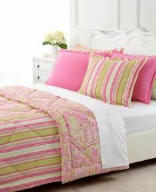 pink and green bedding pink and green home decor on green bedrooms