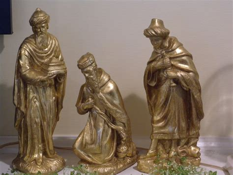 vintage three kings nativity statues by vintagefinesandlinen