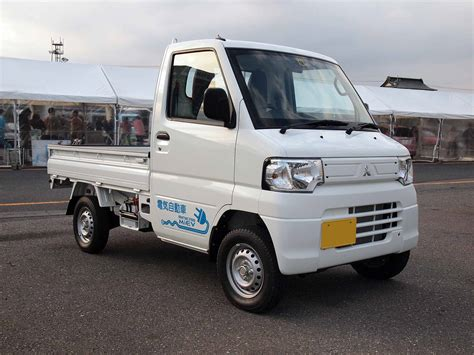 mitsubishi pickup trucks ev sales april 2015