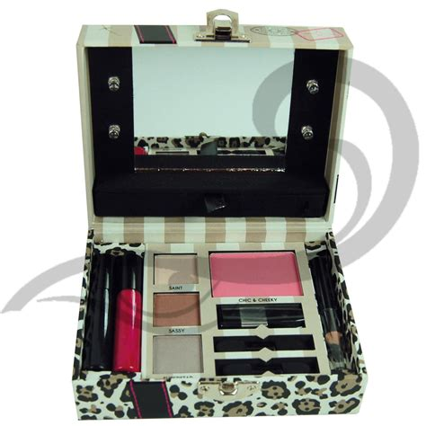Up Set Cosmetic Filled Mini Light Up Box Gift