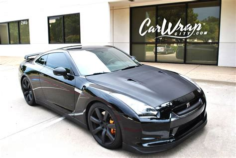 nissan gtr wrapped nissan gtr carbon fiber accent wrap car wrap city