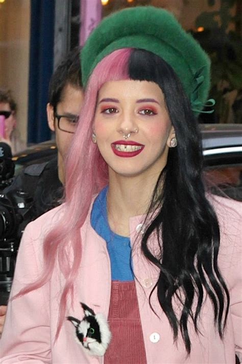 melanie martinez had short curly hair for her performance of cough melanie martinez page 7 little snowflakes pretty