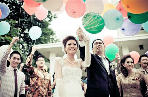 indonesian wedding top 10 wedding photos from around the world bespoke