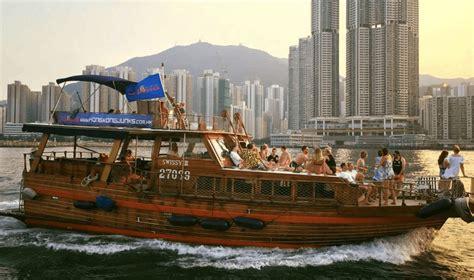 junk boat hire hong kong hong kong junks honeycombers hong kong