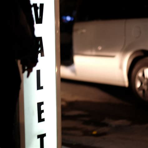 valet meaning valet definition meaning