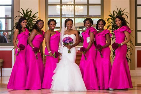 Why Do Bridesmaids (aka Best Ladies) Dress Alike