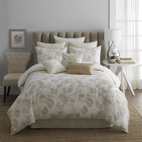 white comforter bedroom design ideas elegant bedding for your bedroom ideas bedroom segomego