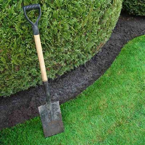 6 pieces of equipment you need for a start up landscaping