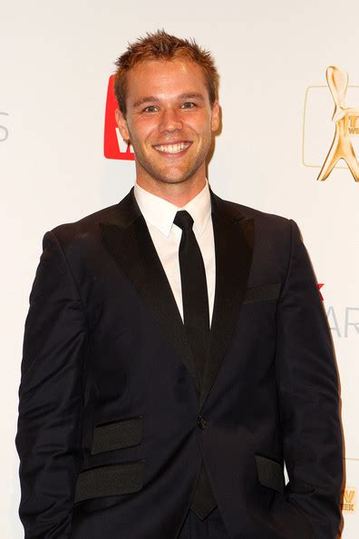 lincoln lewis lincoln lewis pictures 2012 logie awards awards room