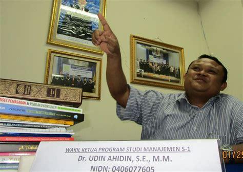 biografi buya hamka singkat manusia gerobak jadi profesor voa islam com