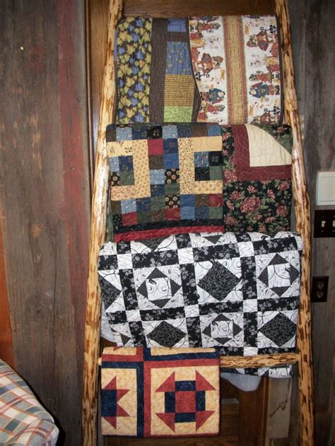 Quilt Ladders For Display by 1000 Ideas About Quilt Ladder On Quilt