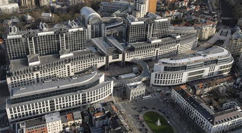 bruxelles sede parlamento europeo il parlamento ue frena sui quot palazzinari quot chiesti nuovi