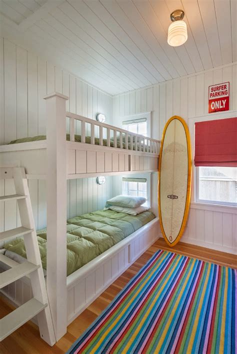 Bunk Beds For Small Rooms by Small Cottage With Inspiring Coastal Interiors