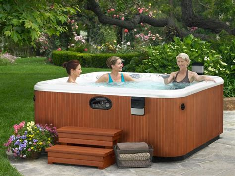 Outdoor Spas And Tubs The Benefit Of Saline Tubs For Your Maximum Hydrotherapy