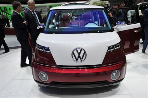 Volkswagen To Show New Microbus Concept At 2016 Ces
