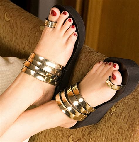 toe ring sandals 4 sandals amp pedicure