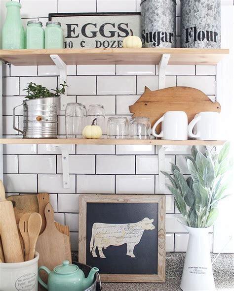 25 best ideas about farmhouse kitchens on pinterest rustic farmhouse kitchen ideas and stupefying farm kitchen decor best 25 cow ideas on
