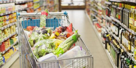 13 Grocery Shopping Tricks from Moms with Big Families