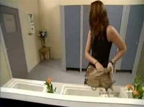 prank in bathroom ladies bathroom prank lmao funny interesting