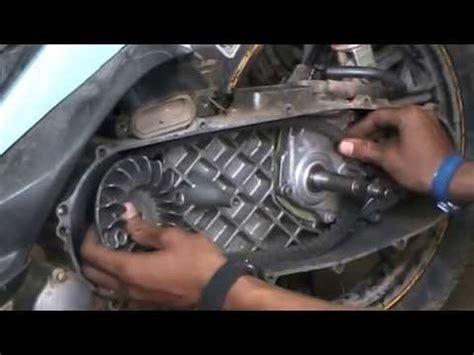 Bos Rumah Roller Vario 125 Ahm Asli bongkar bearing gearbox honda vario cw pakai kertas dan
