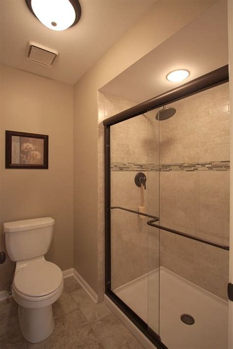 Stand Up Showers For Small Bathrooms 25 Best Ideas About Stand Up Showers On Tub Sizes Walk In Tub Shower And