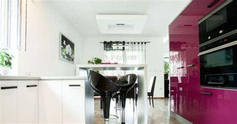 Ordinaire Changer Ses Portes De Cuisine #5: repeindre-les-meubles-d-une-cuisine-1358-1200-630.jpg