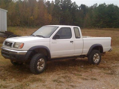 1998 Nissan Frontier 4x4 $1   100336803   Custom Lifted