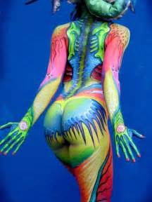 body painting full color arts body painting women looks back