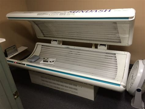 sundash tanning bed super sundash tanning bed m n r40ss 83 quot x47 quot works fine