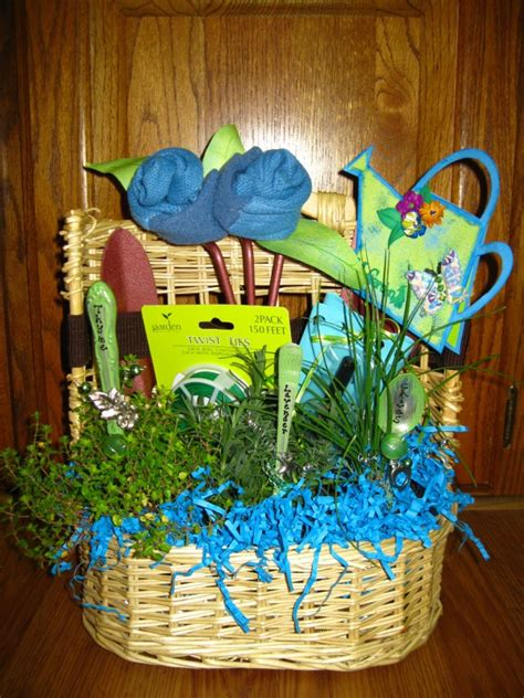 Gardening Basket Ideas Garden Basket Creative Ideas Pinterest