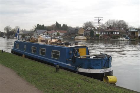 thames river cruise surrey panoramio photo of river boat on thames by manor road
