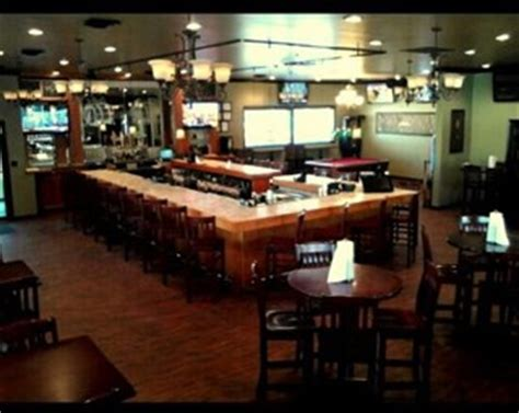 Join The Happy Hour At Molly Brannigans Traditional Irish Pub Restauran In