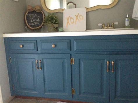 Sloan Bathroom Vanity - transform your bathroom vanity with chalk paint i used