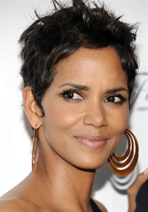 halle berry hairstyles weaves or wigs halle berry human hair wig hairturners