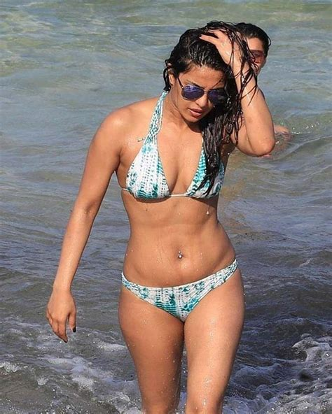priyanka chopra bikini photos baywatch in miami priyanka chopra scorches the beach in