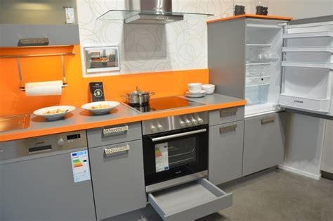 Küchenzeile Günstig Kaufen Mit Elektrogeräten by K 252 Che K 252 Che Grau Orange K 252 Che Grau At K 252 Che Grau Orange