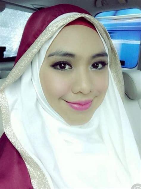 Jilbab Anak Oki Setiana Dewi Kesibukan Baru Oki Setiana Dewi Di Bulan Puasa