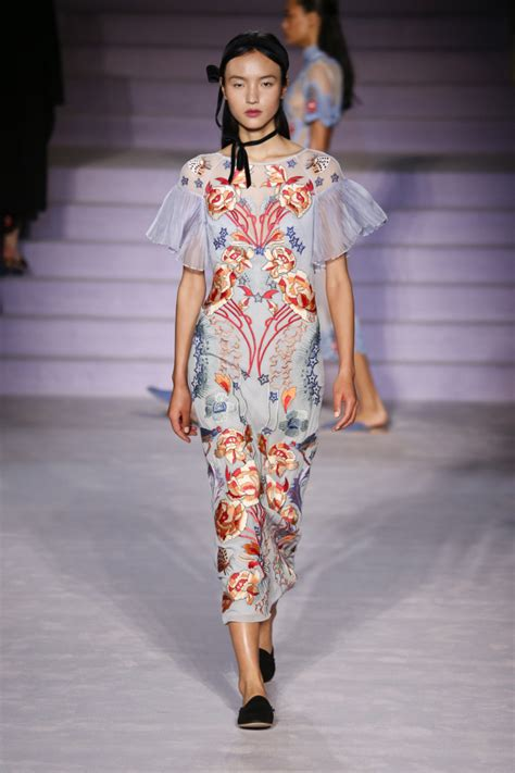 Fashion Week Fall 07 Semi And Trends The Tents Second City Style Fashion by Fashion Week Fall 2017 Trends F Trend