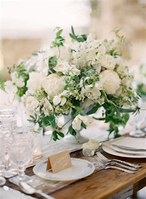 30 Stunning Ways To Infuse Your Wedding With Greenery Greenery For Wedding Centerpieces