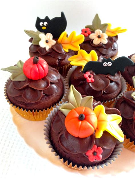 fall decorated cupcakes fall cupcakes at wilton one cake a day