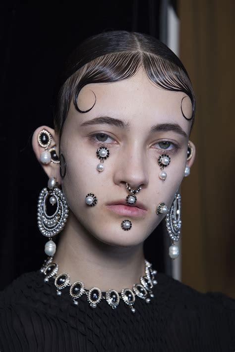 runway beauty looks you can pass as halloween makeup