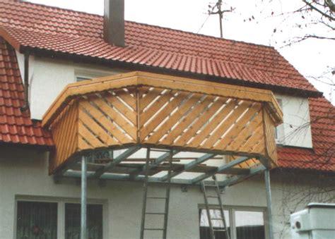 balkon holzgel nder vorgesetzter balkon aus stahl balkon bestehend aus holz
