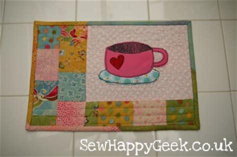 free mug rug pattern tutorial tuesday mug rug with free pdf template by me