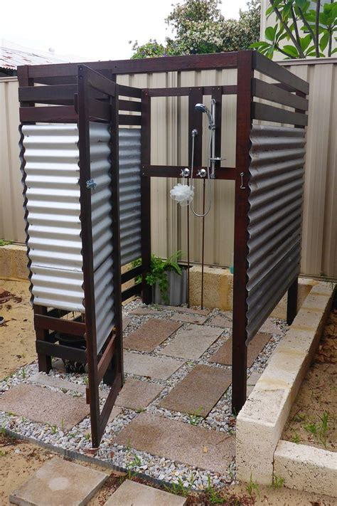outdoor bathroom plans 25 best ideas about outdoor showers on pinterest