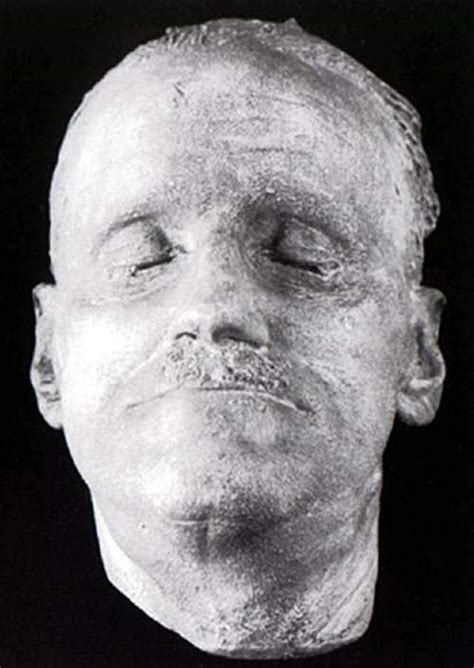 autopsies of famous people snapshots of death 20 real death masks of famous figures