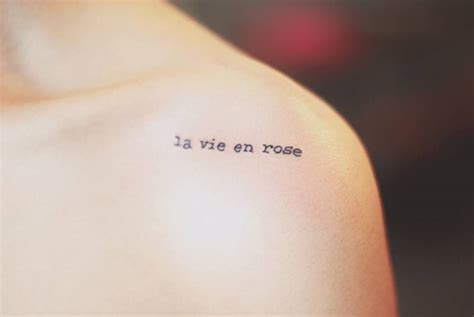 la vie en rose tattoo shoulder saying quot la vie en quot by seoeon