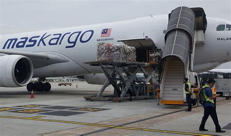 mab kargo flies third relief mission for rohingya refugees ǀ air cargo news